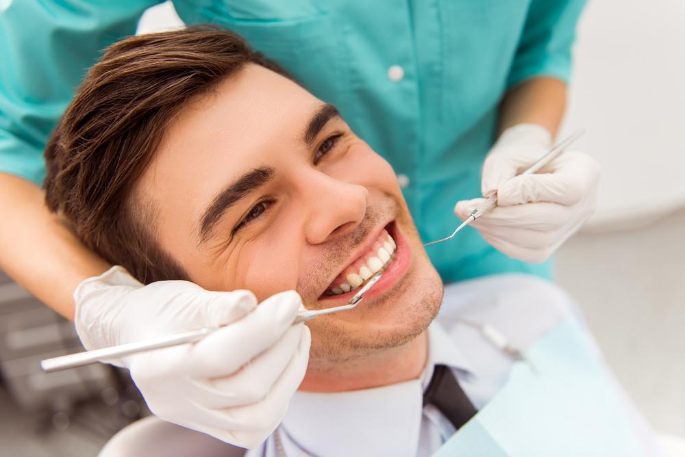 רופא שיניים בהרדמה כללית: האם זה כדאי?